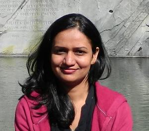 Dr Aarti N